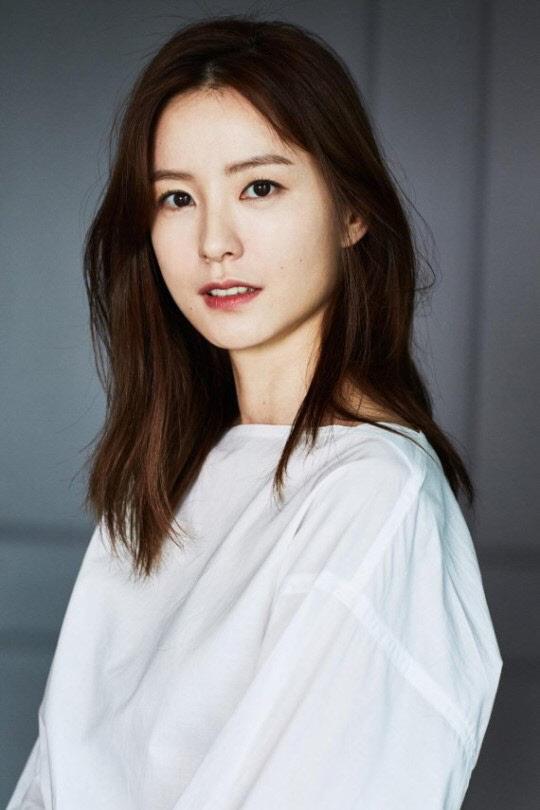 영화 `82년생 김지영` 주연에 정유미...내년 촬영 예정
